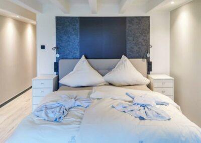 King size bed in penthouse | Avida Lofts